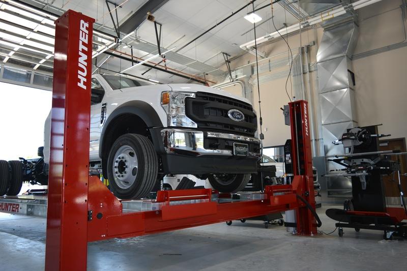 Hunter Hydraulic Lift